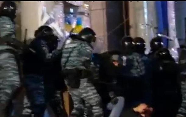 Двое поляков пострадали в результате разгона Евромайдана в Киеве - польские СМИ