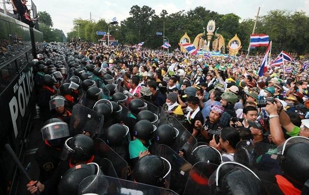 В Бангкоке произошли столкновения между сторонниками и противниками властей, есть пострадавшие