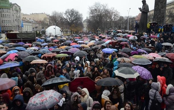 Во Львове мужчин призывают массово ехать в Киев в поддержку Евромайдана