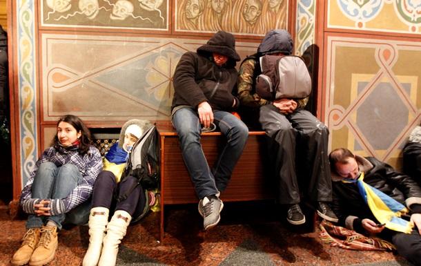 Президент Европарламента назвал неприемлемыми действия силовиков при разгоне мирного митинга в Киеве