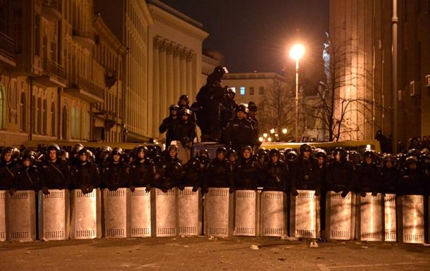 МК: Светит ли Украине режим чрезвычайного положения?