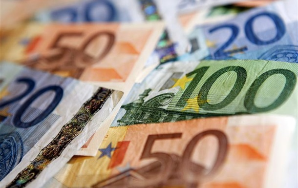 Курс валют: евровалюта потупилась