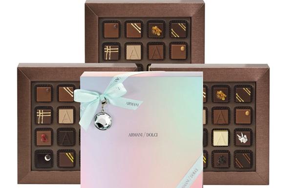 Armani выпустил новогоднюю коллекцию сладостей