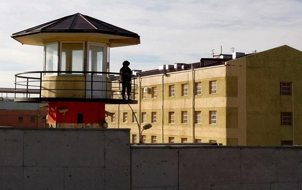 В Грузии заключенные объявили голодовку с требованием освободить  воров в законе