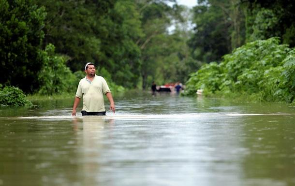 Малайзию затопило из-за проливных дождей
