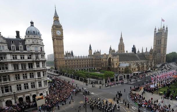 Опасаясь жилищного  пузыря , британцы обложат налогом богатых иностранцев
