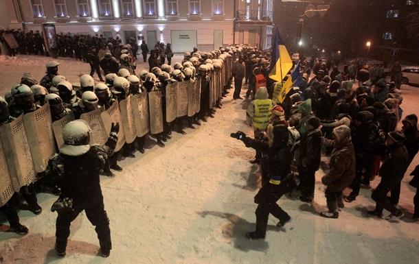 Милиция расчистила Януковичу путь к переговорам - Reuters