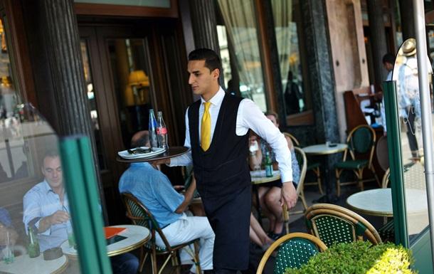 Кафе в Ницце ввело штрафы для невежливых клиентов