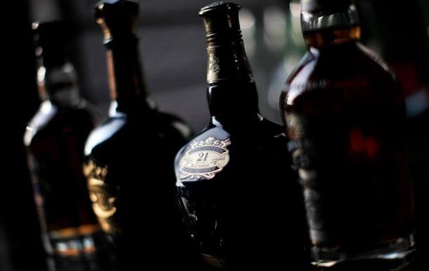 В Донецке у предпринимателя изъяли 27 тысяч бутылок импортного алкоголя на 10 млн гривен