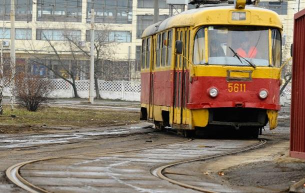 Новости Днепропетровска - трамвай - забастовка - задолженность - зарплата - Водители трамваев в Днепропетровске возобновили работу после начала выплаты задолженности по зарплате