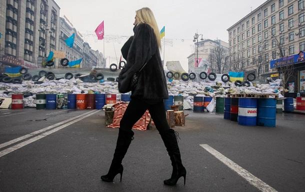 Киев - Евромайдан - поддержка - снос - памятник - Ленин - опрос - Большинство киевлян поддерживают Евромайдан, однако осуждают снос памятника Ленину - опрос