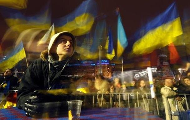 На главной сцене Евромайдана - очередной концерт украинских исполнителей