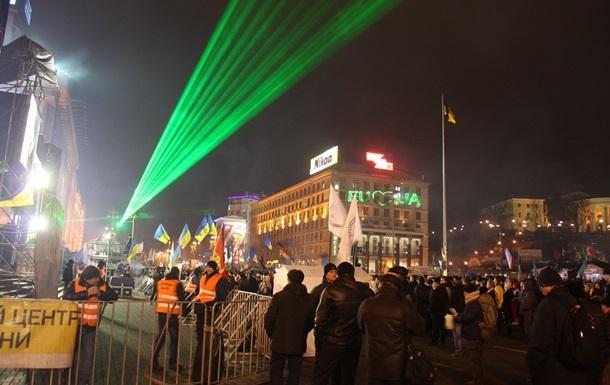 На Евромайдане собирают новую сцену