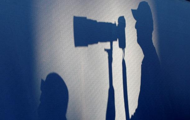 Новости Киева - Киевсовет - журналисты - заседание - На месте проведения сегодняшнего заседания Киевсовета журналистов отделили от депутатов кордоном милиции