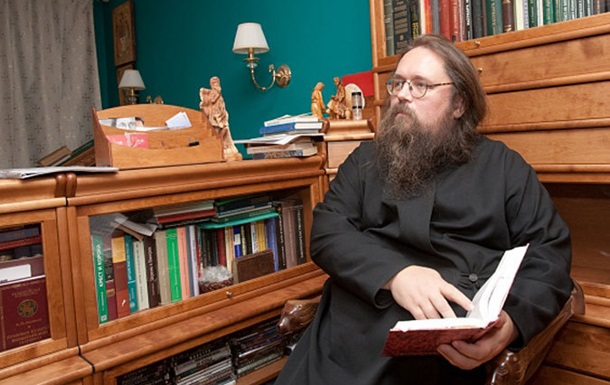 В России дьякону запретили преподавать в духовной академии за эпатаж в блогосфере