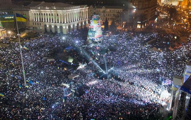 В Киеве на Майдане в ночь на 1 января собрались сотни тысяч людей