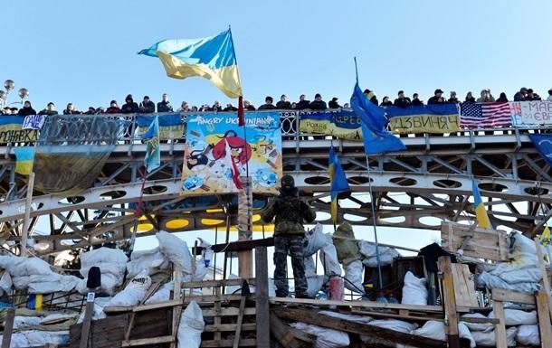 Луценко не видит смысла стоять на Майдане до президентских выборов