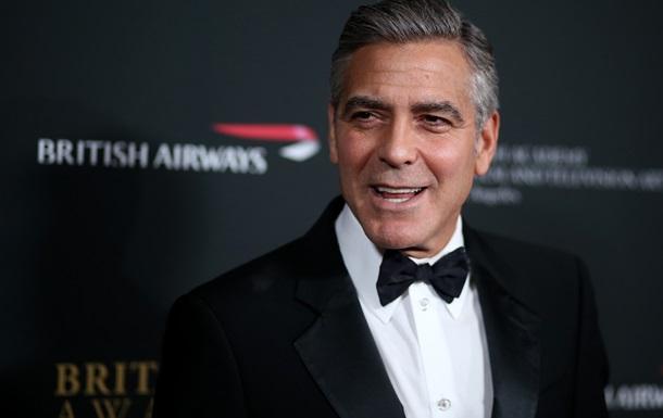 Благотворительная организация предложила свидание с Джорджем Клуни за 10 долларов