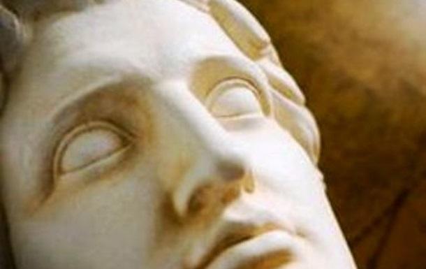 Ученые раскрыли тайну смерти Александра Македонского: великий полководец случайно отравился белой чемерицей