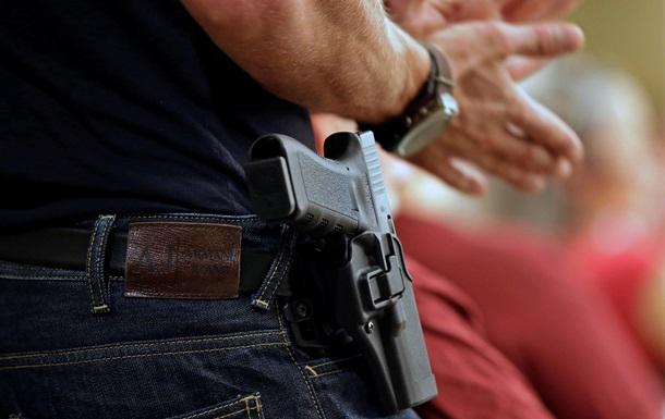 ВР разрешила выдавать оружие родственникам судей