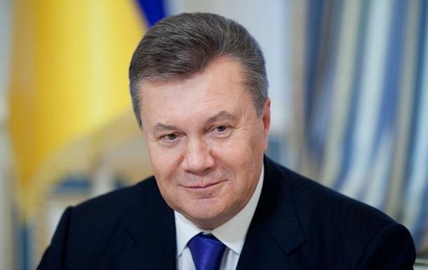 Янукович поздравил украинцев с Крещением и пожелал благодати