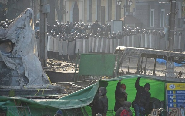 В столкновениях на Грушевского пострадали 24  журналиста