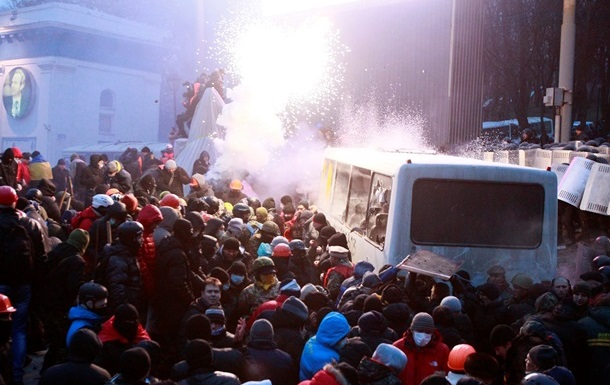Лидеры оппозиции не влияют на беспорядки в стране – Янукович