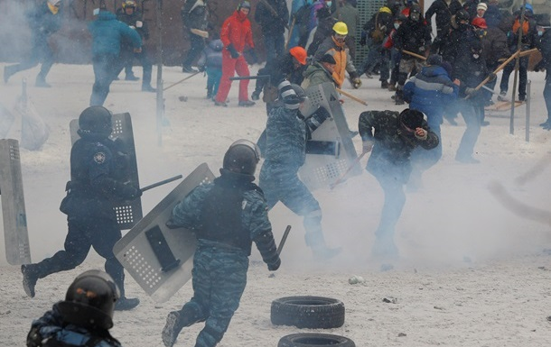 Оппозиция опасается введения чрезвычайного положения в Украине