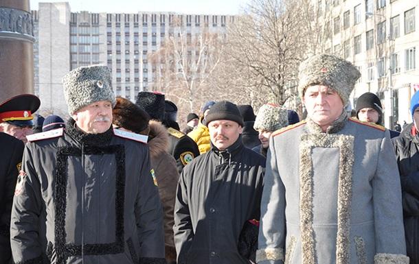 Донецк патрулируют отряды казаков и ветеранов-афганцев