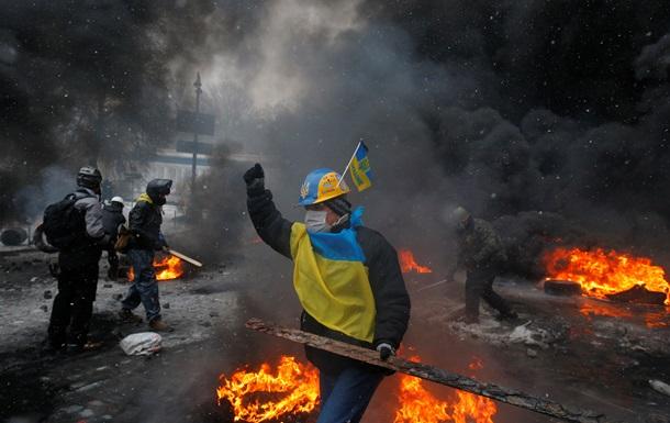 В Киеве на улице Грушевского митингующие усилили пропускной режим