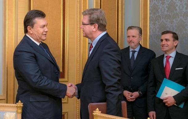 В администрации президента проходит встреча Виктора Януковича со Штефаном Фюле