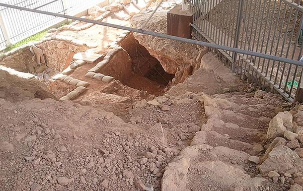 В Израиле найден древнейший в мире очаг