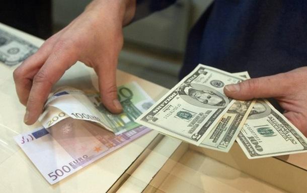 Курс рубля устанавливает рекорды каждый день