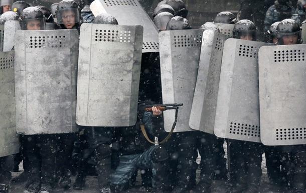 Почему Янукович не задействует армию для наведения порядка - СМИ