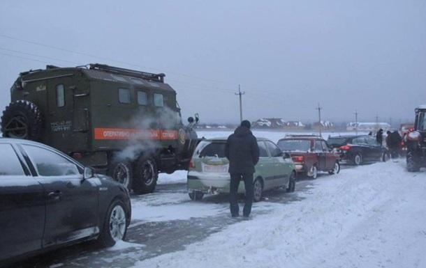 В пяти областях Украины снегом заблокировано 630 авто и 782 человека – ГСЧС