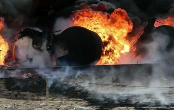 В Донецкой области сошел с рельсов поезд: горят цистерны с пропаном