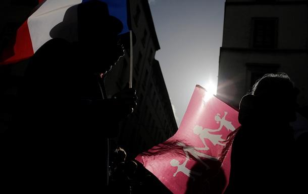 Обзор иностранных СМИ: рынки лихорадит, Израиль уступает, а Париж против гей-браков