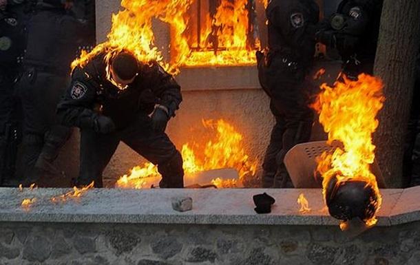 Горевший на Грушевского милиционер дал интервью