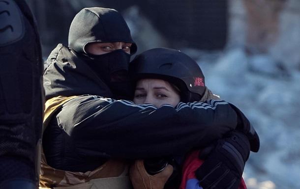 На Евромайдане сформировали  женскую сотню  самообороны