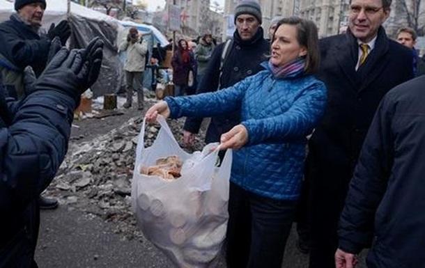 Раздававшую печеньки на Майдане не пустили в Россию