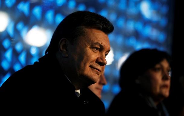 Янукович вывесил в Сочи украинский флаг