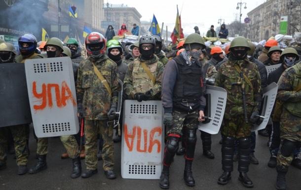 Евромайдановцы не дали киевлянам разобрать баррикады