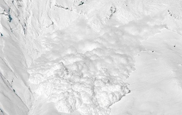 Украинцев предупредили об опасности схода лавин в Карпатах