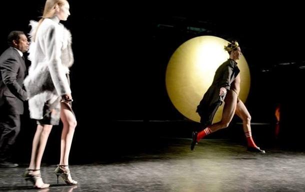 Украинский журналист сорвал показ на New York Fashion Week