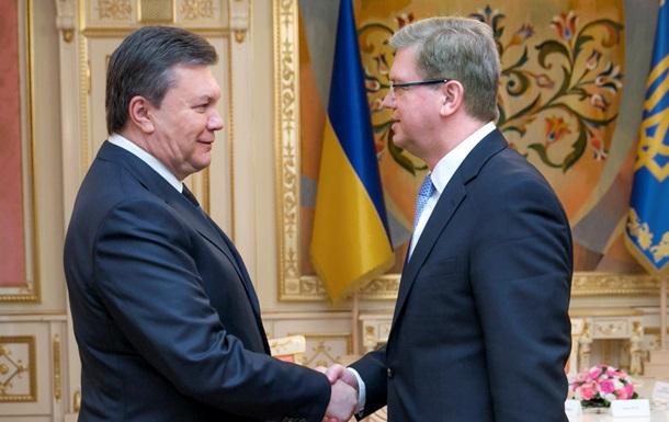 Янукович обсудил с Фюле финансовую помощь Украине