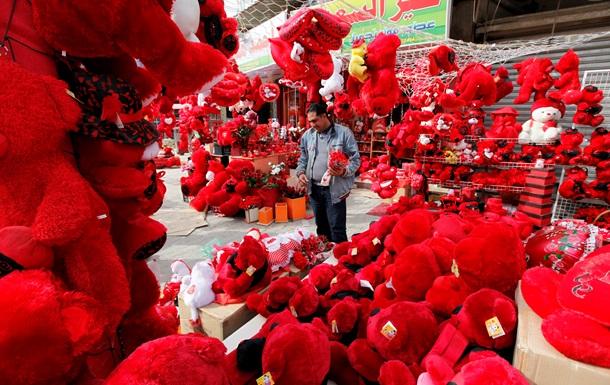 В День Валентина люди на подарки тратят около $13 млрд