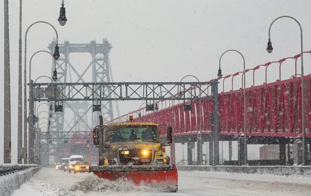 Ущерб снежной стихии в США оценивают в $15 млрд