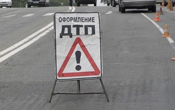 В результате ДТП в Ленинградской области России погибли 10 человек