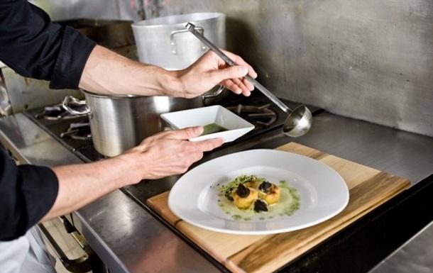 Французские шеф-повара ополчились на фотографирующих еду