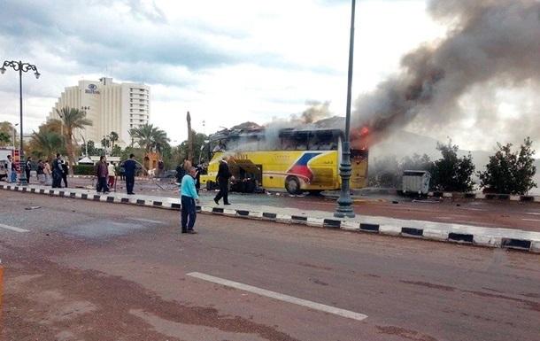 Взрыв автобуса в Египте: пятеро погибли, 15 получили ранения
